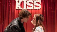 Los protas de The Kissing Booth, el nuevo fenómeno de Netflix, esconden su romance tras la obsesión de los fans
