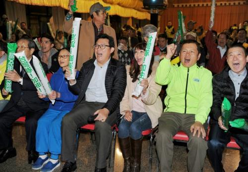 WBC經典賽 姚文智許淑華為中華隊加油 (圖).