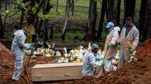Brasil ultrapassa 124 mil mortes por Covid-19, aponta consórcio de veículos de imprensa no boletim das 20h