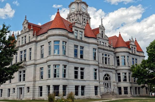Iowa asked researchers to break into a courthouse, then it arrested them