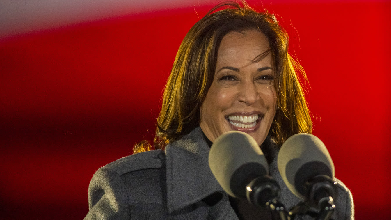 Kamala Harris, shattering racial and gender barriers, makes history as first woman vice president