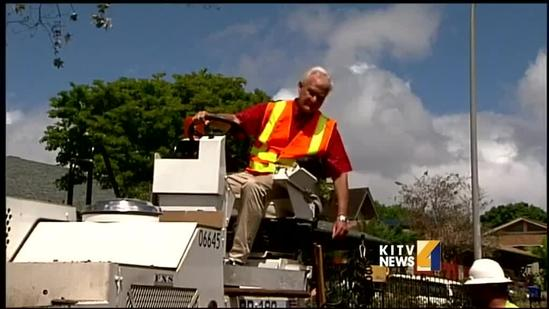 Mayor Kirk Caldwell makes good on road repave promise