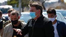 Bolsonaro volta a atacar a imprensa e chama jornalistas de 'bundões'