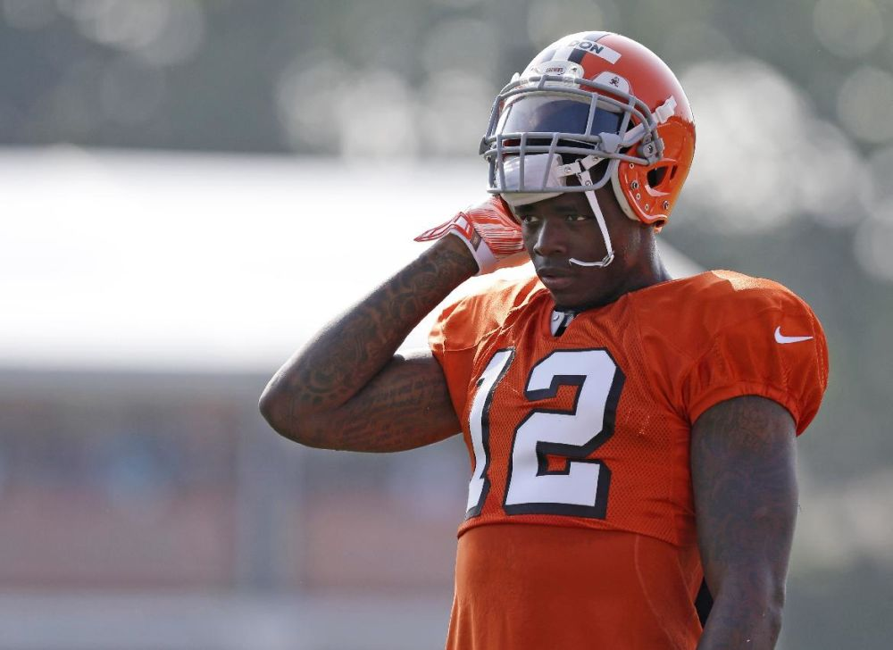 Browns begin life without Gordon vs. Bears