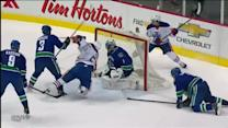 David Perron rockets one in front of Luongo