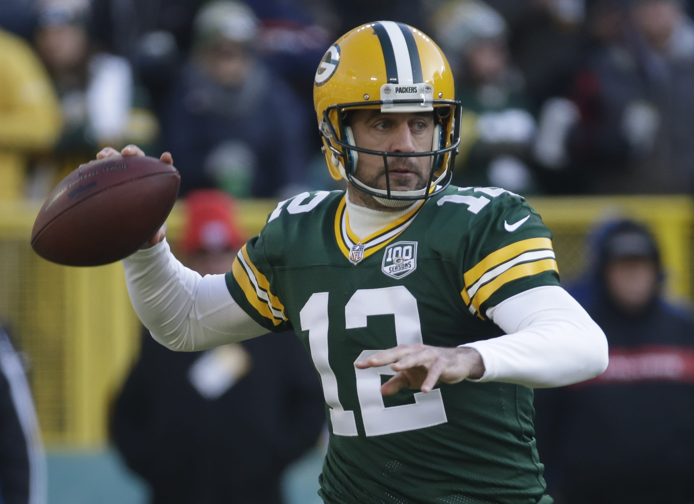 Aaron Rodgers breaks record for consecutive pass attempts without an interception