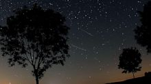 Kosmischer Staub verglüht am Himmel