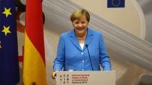 Technikprobleme bei Pressekonferenz: Angela Merkel ist genervt