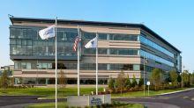 Boston Scientific cuts exec pay as revenue slides