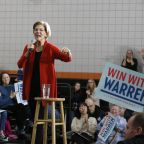 Elizabeth Warren seeks a spark in the final sprint to Iowa