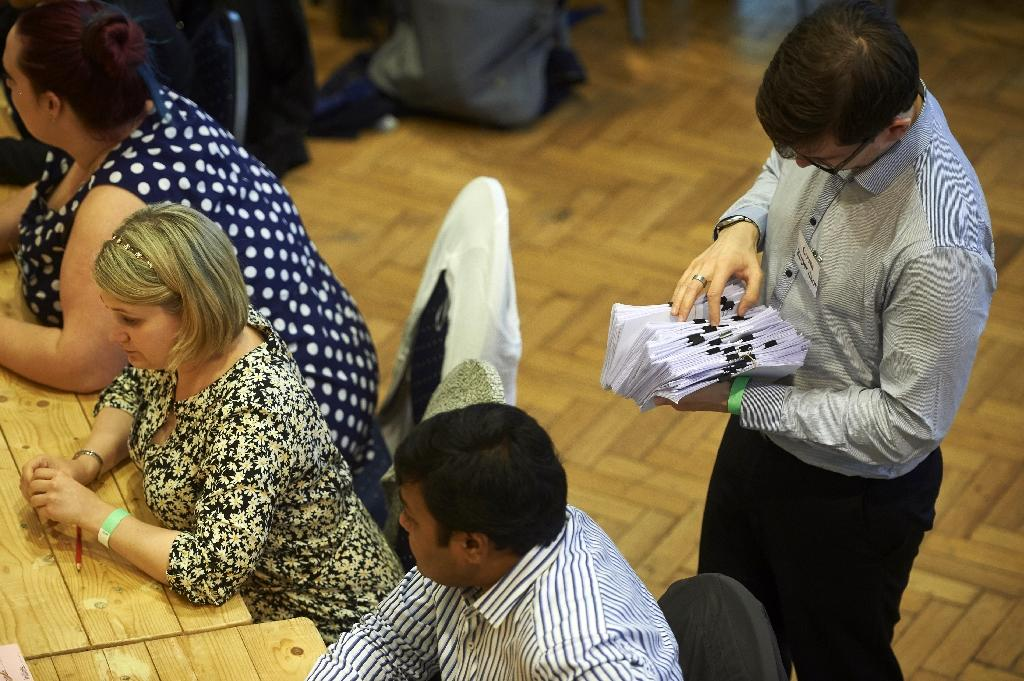 The vote counting centre at The Royal Horticultural Halls in central London on June 23, 2016 (AFP Photo/Niklas Halle'n)