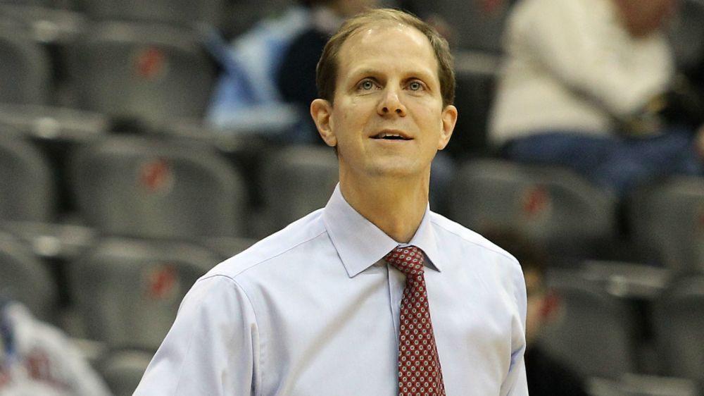 Washington hires Syracuse assistant Mike Hopkins