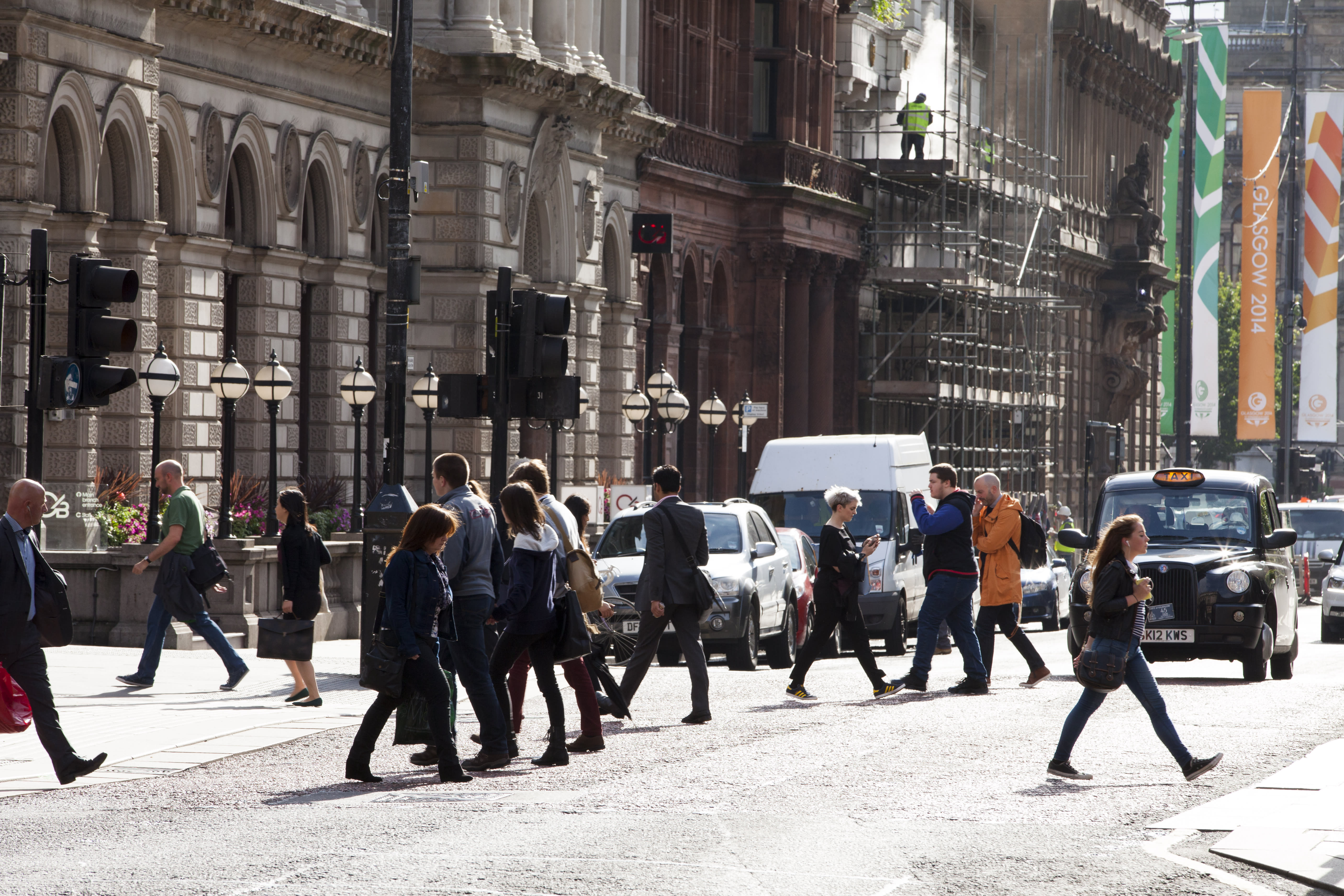Record number of Brits in work — and on zero-hour contracts