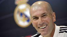 """Berbatov: """"Zidane se merece una estatua en la puerta del Bernabéu"""""""