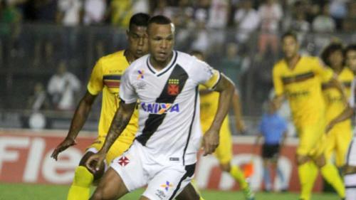 Milton Mendes elogia Fabuloso e dá apoio ao atacante na busca pelo 1º gol