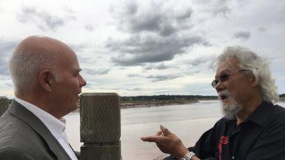 David Suzuki calls federal environment minister a hypocrite