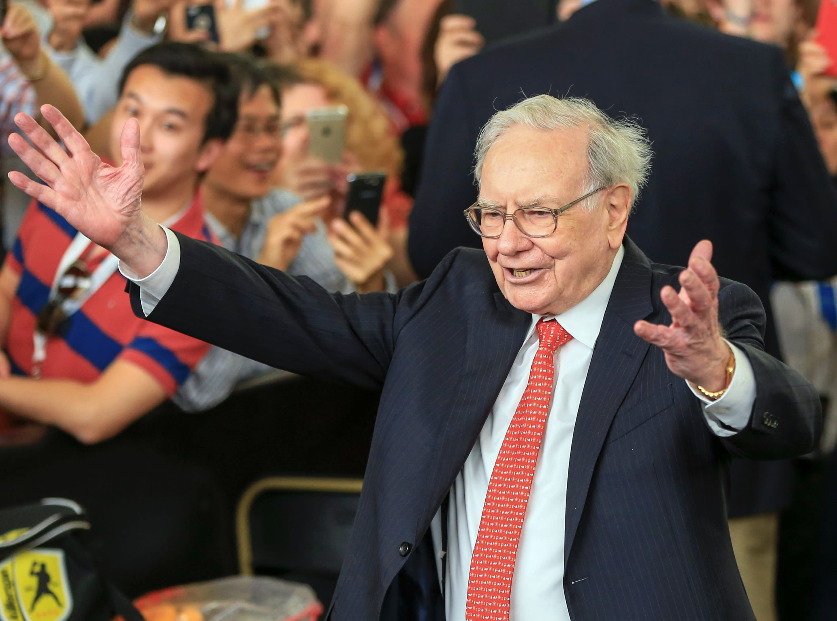 Warren Buffett s annual letter 7 things that will have everyone