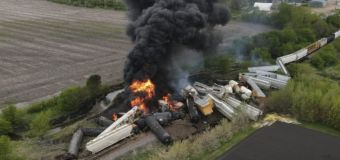 Freight train derails, small town's residents evacuated