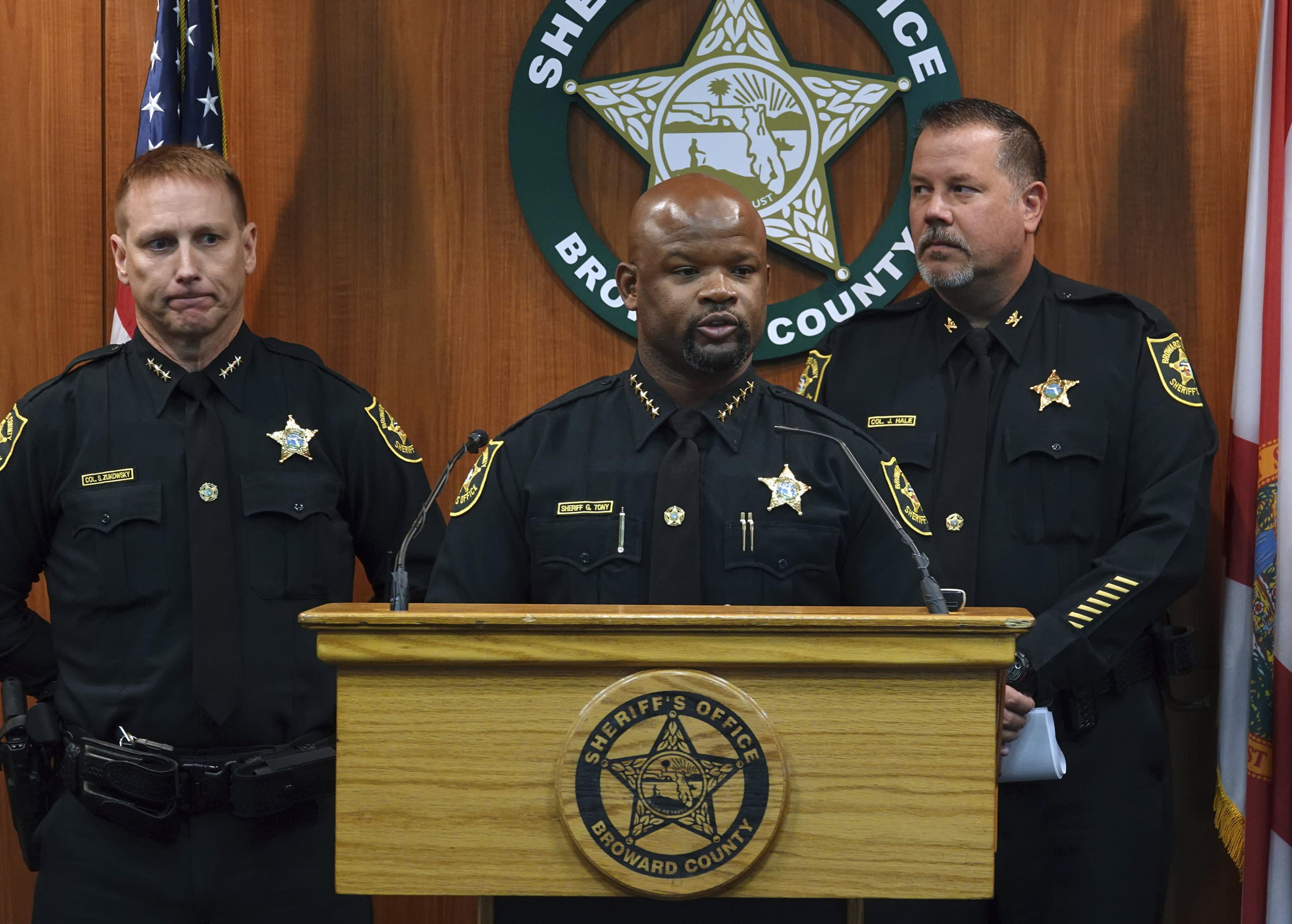 sheriffs deputies fired dozens - 1000×715