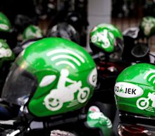 Facebook, PayPal invest in Indonesian super app Gojek