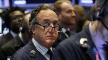 Wall Street cierra principalmente con baja; pesa caída de 3M