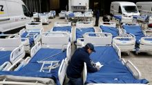 With hospitals under siege, U.S. to build hundreds of temporary coronavirus wards