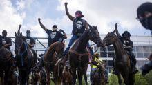 Mort de George Floyd : pourquoi des Noirs américains manifestent-ils à cheval contre le racisme ?