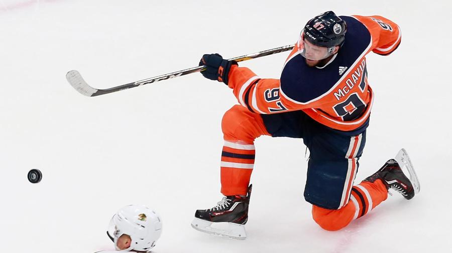 McDavid's hat trick helps Oilers get even