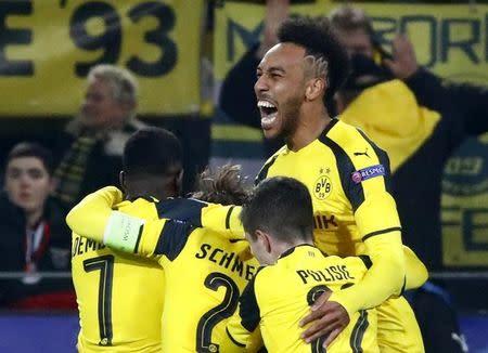 Aubameyang comemora gol do Dortmund
