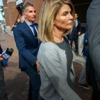 Lori Loughlin begins 2-month prison sentence in college admissions scandal