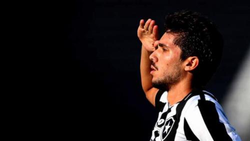 Agora 'General', Rabello celebra gol no clássico e explica comemoração