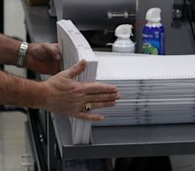 Florida begins vote recount as Democrats and Republicans exchange allegations of fraud