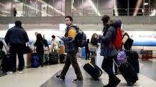 U.S. carriers see 3.5 percent bump in 2016 winter holiday flying