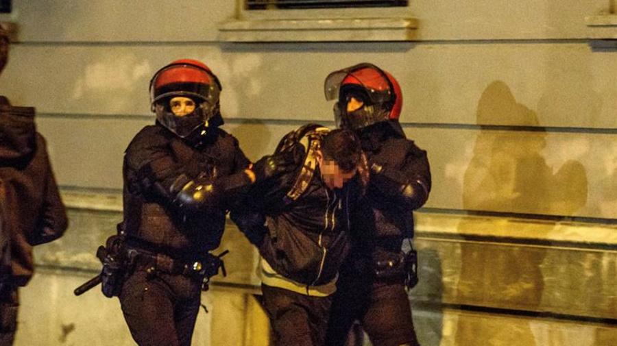 Dieciocho detenidos en las protestas por un mitin de VOX en Bilbao