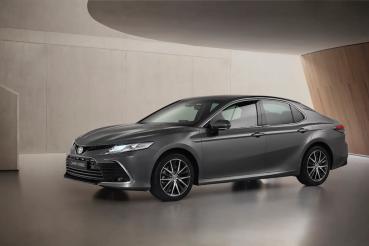 台灣預計明年第一季導入,Toyota 小改款 Camry 歐規版本亮相