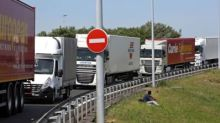 Convoys of 'self-driving' lorries get green light for UK trial