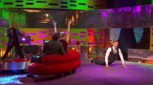 Michael Fassbender es un experto en break dance y aquí está la prueba