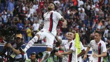 PSG fans boo Neymar, then he scores winner