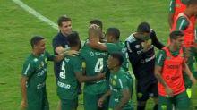 Com direito a virada nos acréscimos, Cuiabá bate a Chape e assume a liderança da Série B