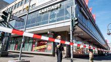 Verletzte Personen: Missglückter Überfall am Hermannplatz: Fahndung nach Räubern