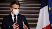 Varios alumnos señalaron al profesor francés a su asesino a cambio de dinero