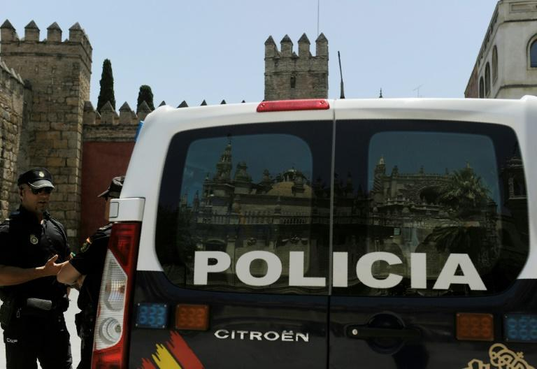 The crooks were outpaced by a speedy Seville policeman