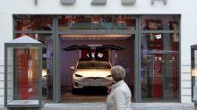 "Teslas ""Autopilot""-Werbung droht gerichtlicher Stopp"