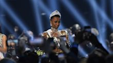 Zozibini Tunzi, première Miss Univers noire aux cheveux crépus