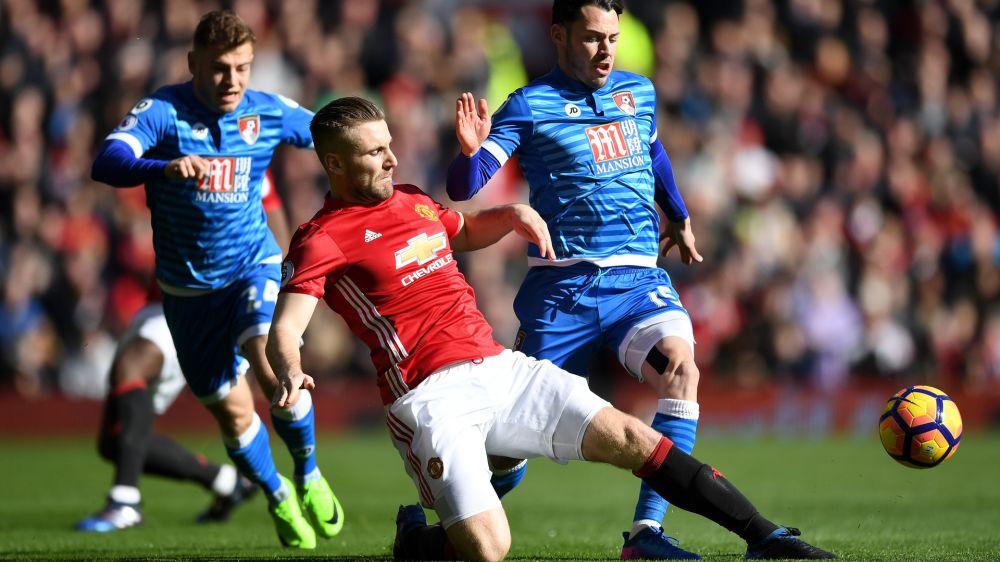 """Manchester United, Mourinho : """"Shaw utilise son corps mais pas son cerveau"""""""