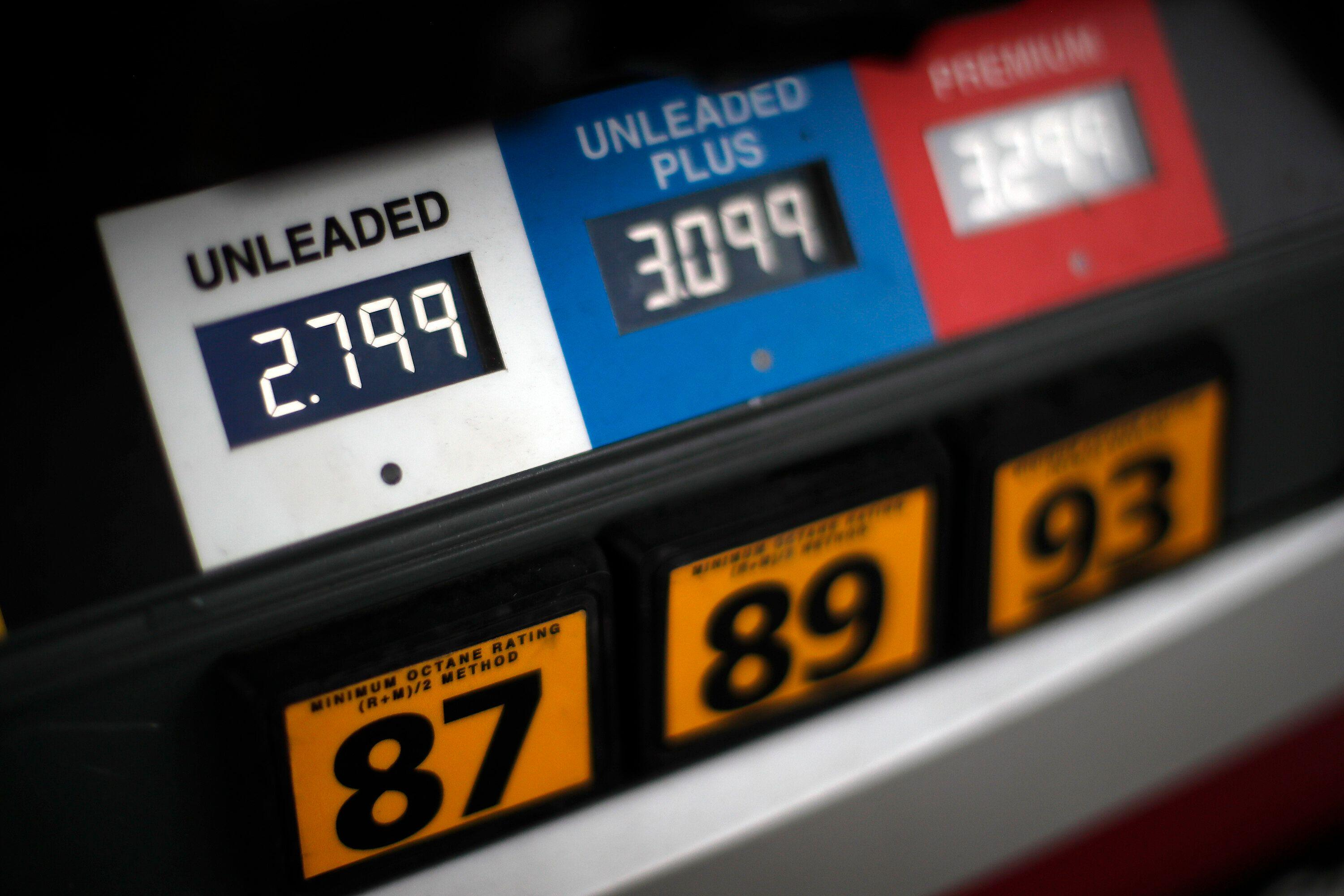 Gas prices have probably peaked, expert says - Yahoo Finance