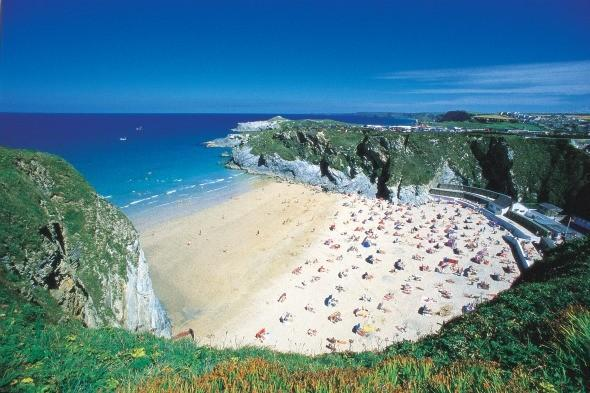 <p> One of Newquay's famous five beaches, this perfect horseshoe-shaped cove is great for swimmers, surfers and families. <strong>Don't miss:</strong> the Kitchen beach bar, with its laid-back atmosphere and music events, was recently named as one of Europe's finest in an Orange holiday guide. Who needs St Tropez when you can have Lusty Glaze?</p>
