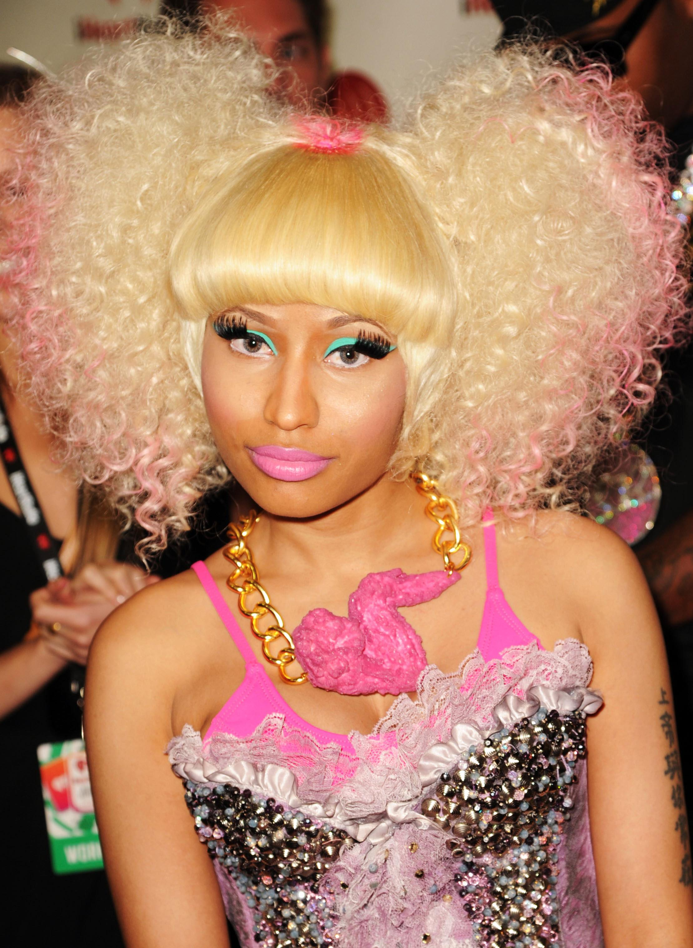 nicky minaj hair style nicki minaj s most outrageous hairstyles 5541