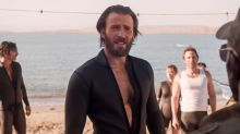 Chris Evans (and his beard) are on a mission in 'The Red Sea Diving Resort' trailer