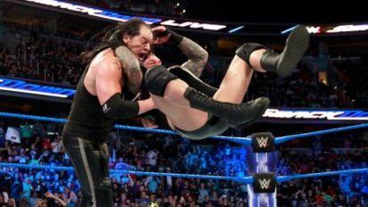 WWE SmackDown Live: Royal Rumble and RKOs